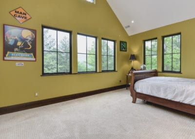 18-Wolfe-Cove-Asheville-NC-28804-46