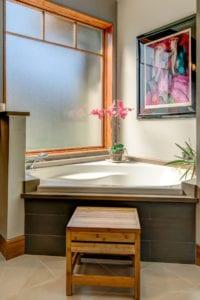 The Modern Wetjen Master Bath Tub