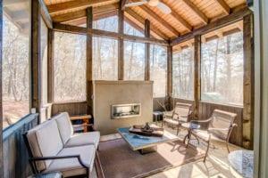 The Modern Wetjen Outdoor Fireside Sitting