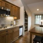Black Mountain Craftsman apartment