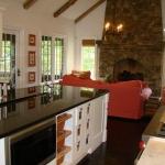 09-19-09_466_mills_gap_-_main_house_-_kitchen__keeping_room