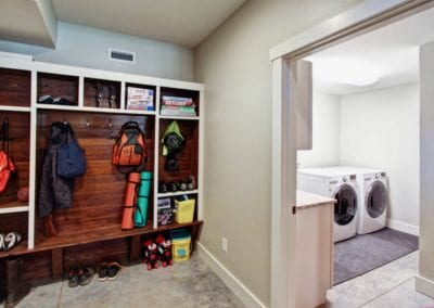 modern-prairie-haw-creek-Mud-Room