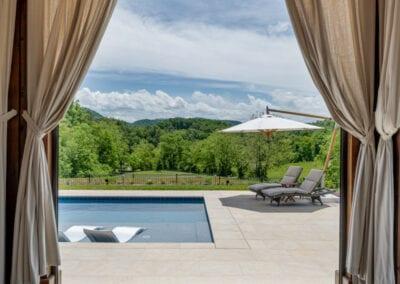 Living Stone Design+Build cabana facing mountains