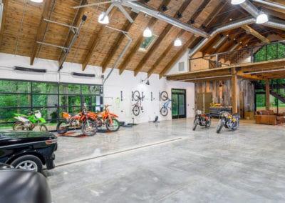 watkins-hobby-barn-work-space